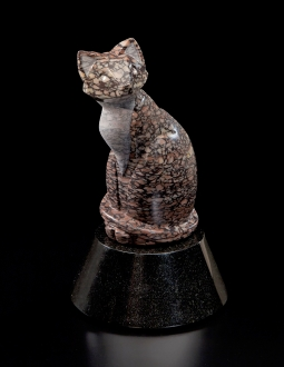 Chat Tacheté, sculpture by Ellen Woodbury